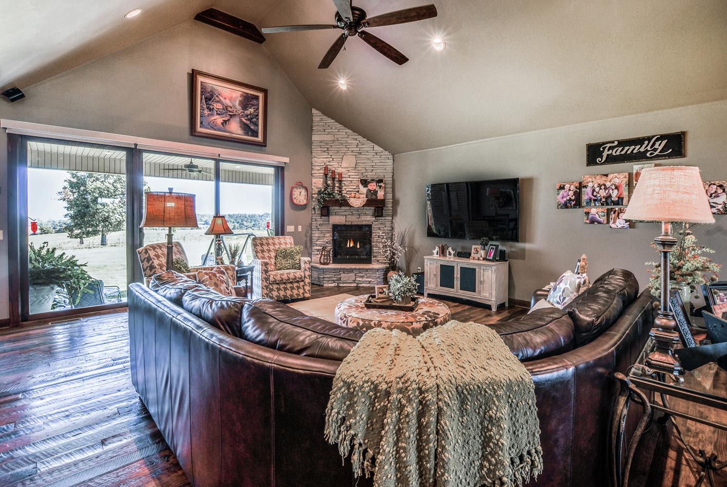 built-by-brett-custom-home-springfield-mo-rte-353-ww-007.jpg