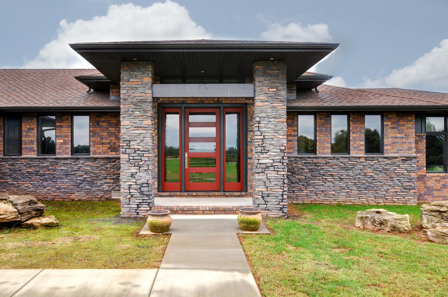 built-by-brett-custom-home-builders-springfield-mo-meadowcrest-lane-exterior-002.jpg