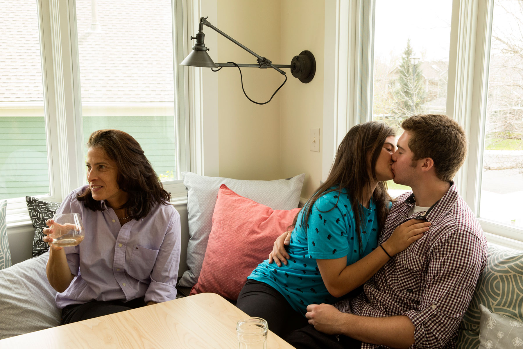 Couple_Kissing_George_Lange_Lifestyle.jpg