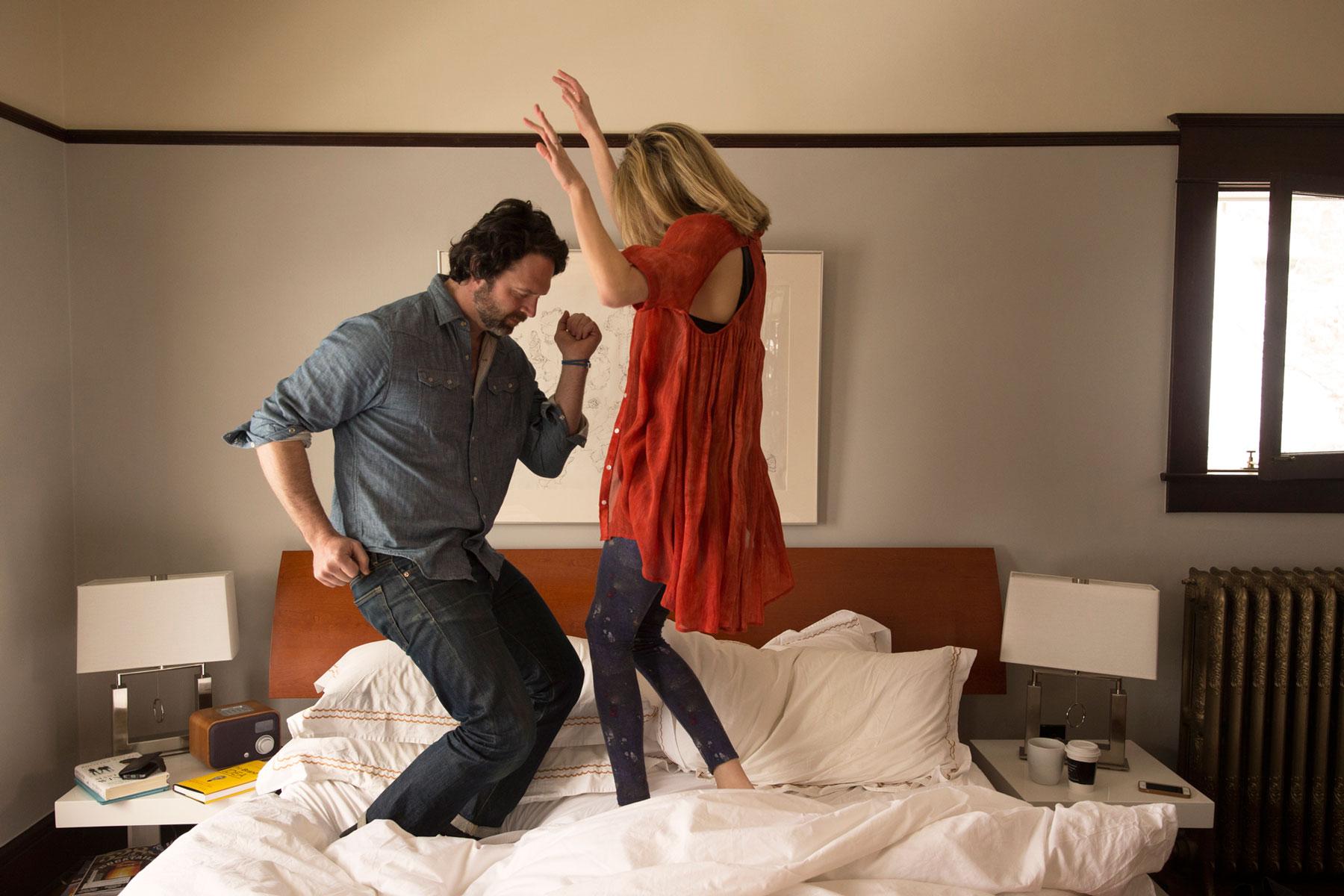 Jumping_Dancing_Bed_George_Lange_Lifestyle.jpg
