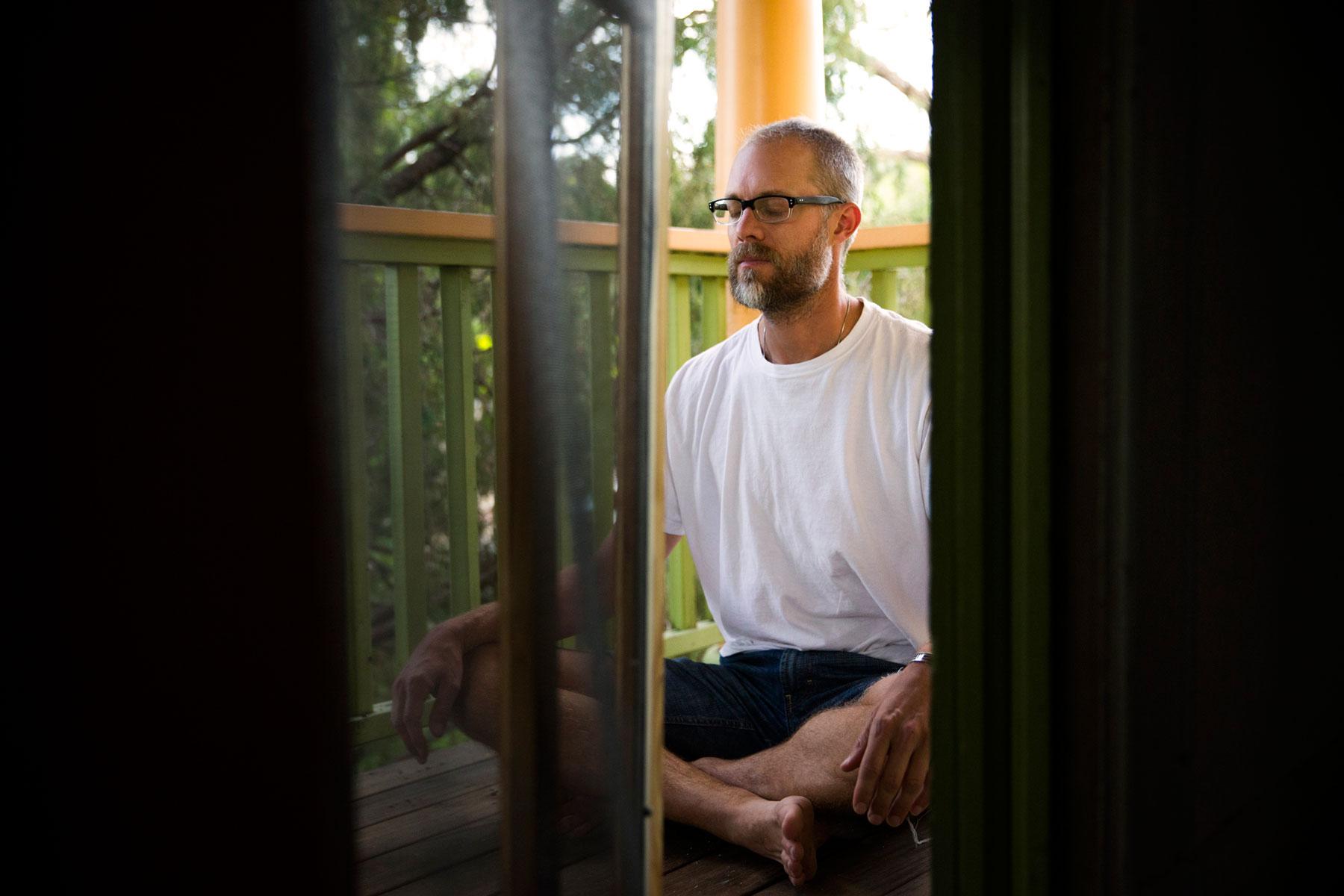 Yoga_Meditation_Outside_George_Lange_Lifestyle.jpg
