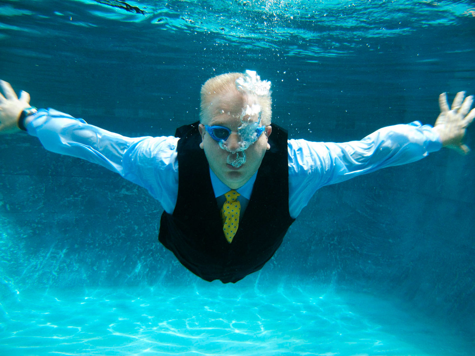 Swimming_Glenn_Beck_George_Lange.jpg