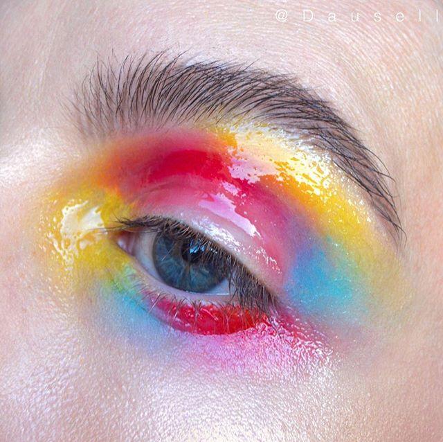 Product List : • @maccosmetics eyeshadows in 'Chrome Yellow' and clear Lip glass • @nablacosmetics Liquid Lipstick in 'Alter Ego'• @kikomilano Smart Eye Pencil in '813'  #dausell #eotd #makeup #gloss