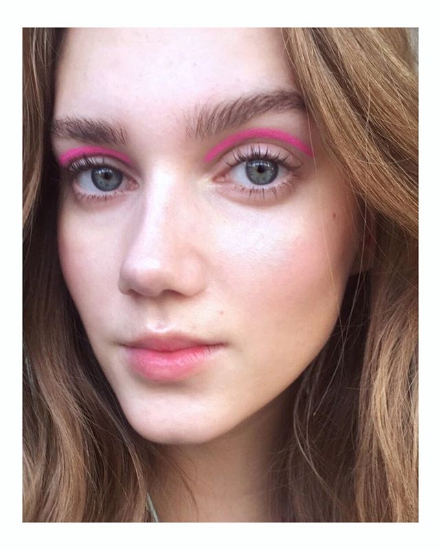 #bts from today's shoot with @movesbyminimum 🌸 pink eyeliner on gorgeous @ceciliemoosgaard 🌸 thank you for a great day @eivindhamran @miagardum @ceciliemoosgaard @amaliemoosgaard @fashionfrog @isabellalykking_