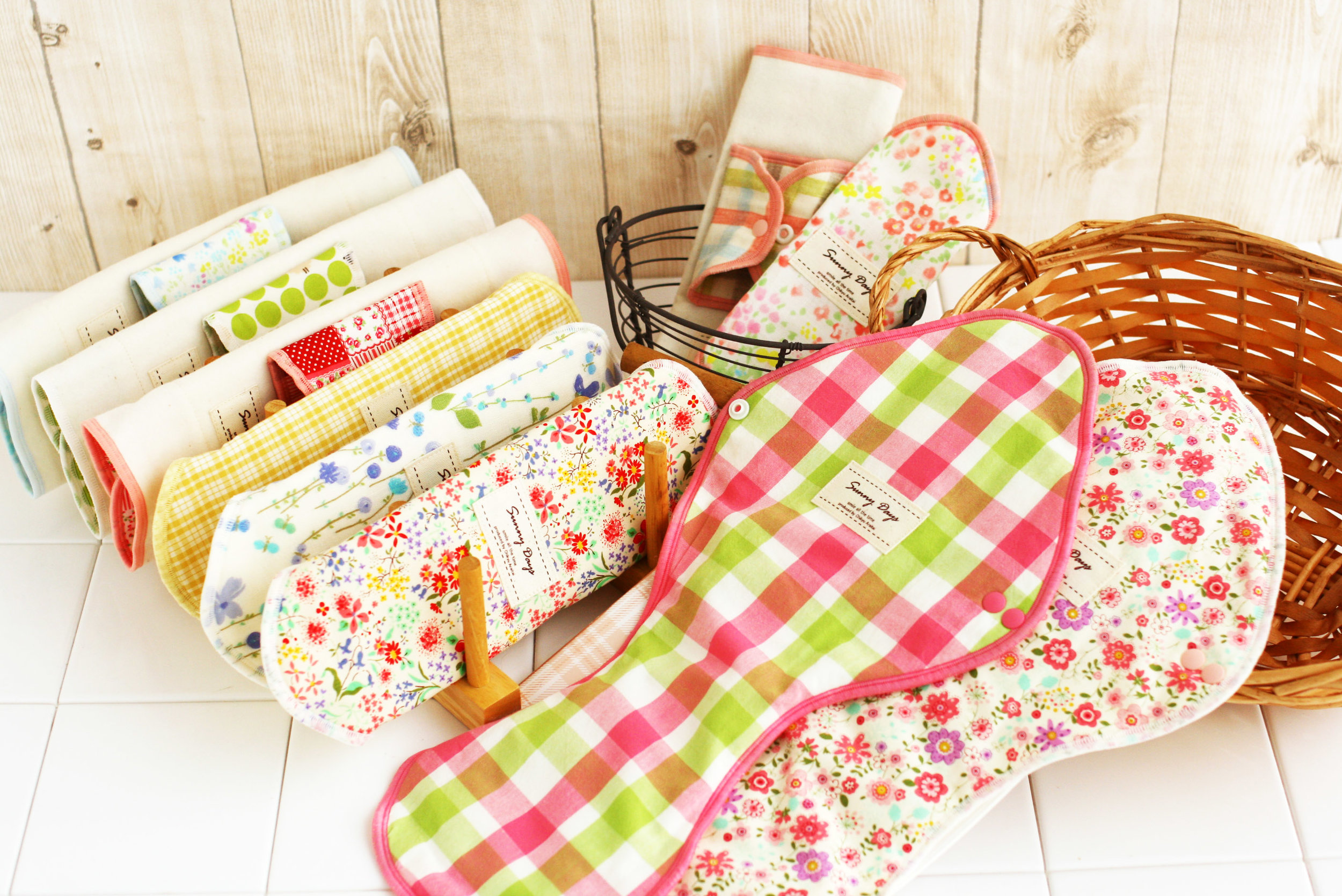 Cloth pads are a safe and eco-friendly alternative to disposable ones ( Source )