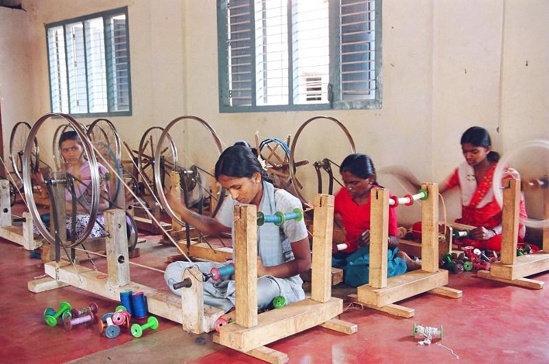 Women weavers at the Charaka Collective Source:   Facebook