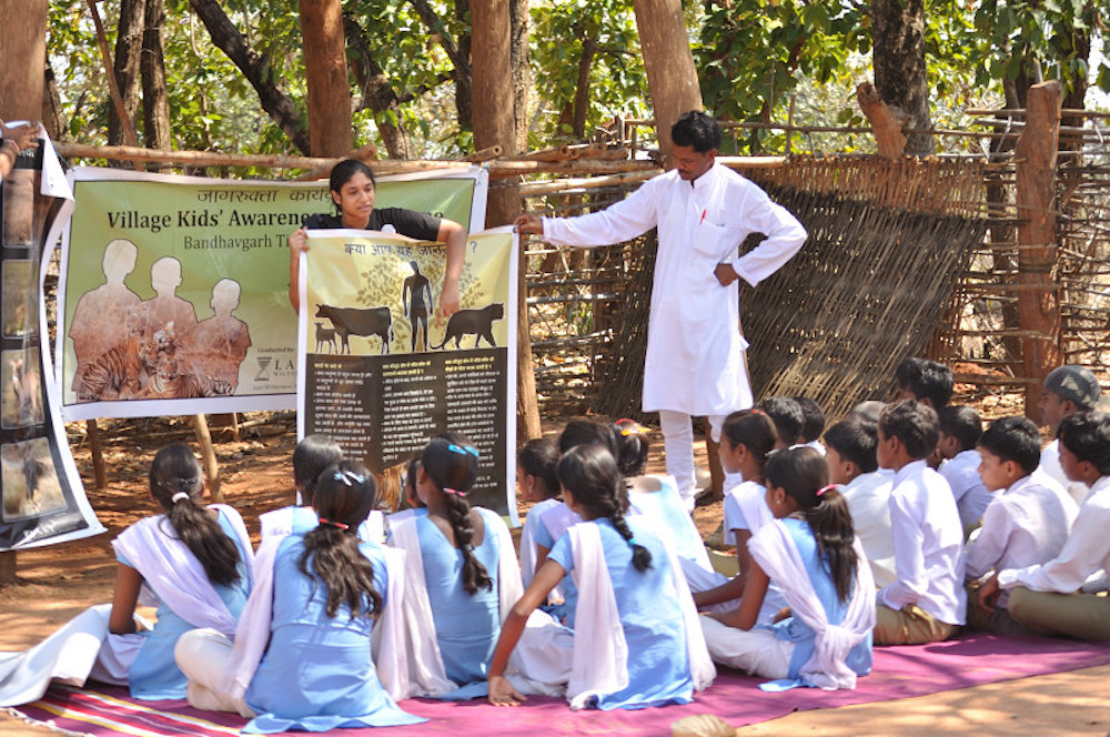 Learning of the precautions to be taken living around a tiger reserve