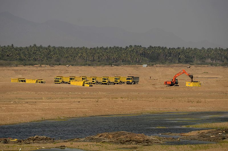 A sand quarry stretches along the banks of the River Cauvery in Karur, Tamil Nadu. Image: Wikimedia/  CC BY-SA