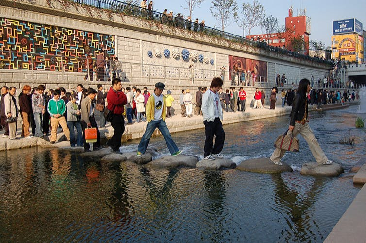Investment in the Cheonggyecheon stream is amply repaid many times over in economic security and growth, local health and quality of life. Image:Flickr/ CC BY 4.0