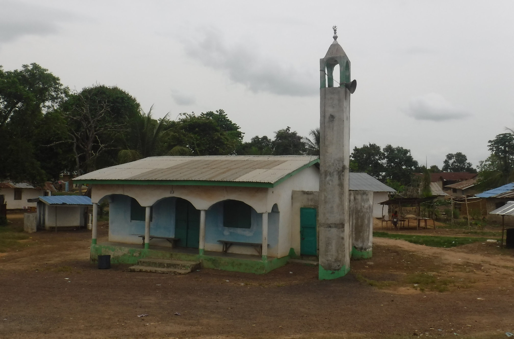 The Liberia Project is seeking to assist Liberian Pastors in the training of their people in how to appropriately testify of the grace of God in the gospel to Muslims in their communities.