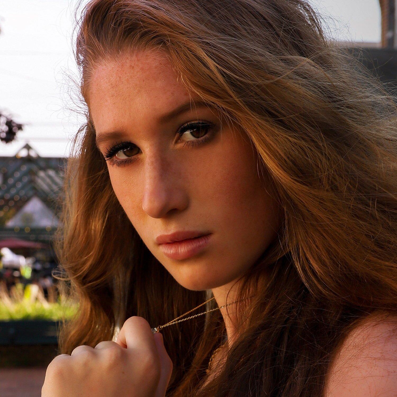 Shayna - Teen Model