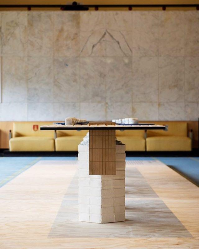 My table for Dudok! @dudok.architectuur.centrum @hilversummediastad #dudok #architect #raadhuis #hilversum #raadhuishilversum #dudokhilversum Photos by @eva_kasbergen @indira.vantklooster