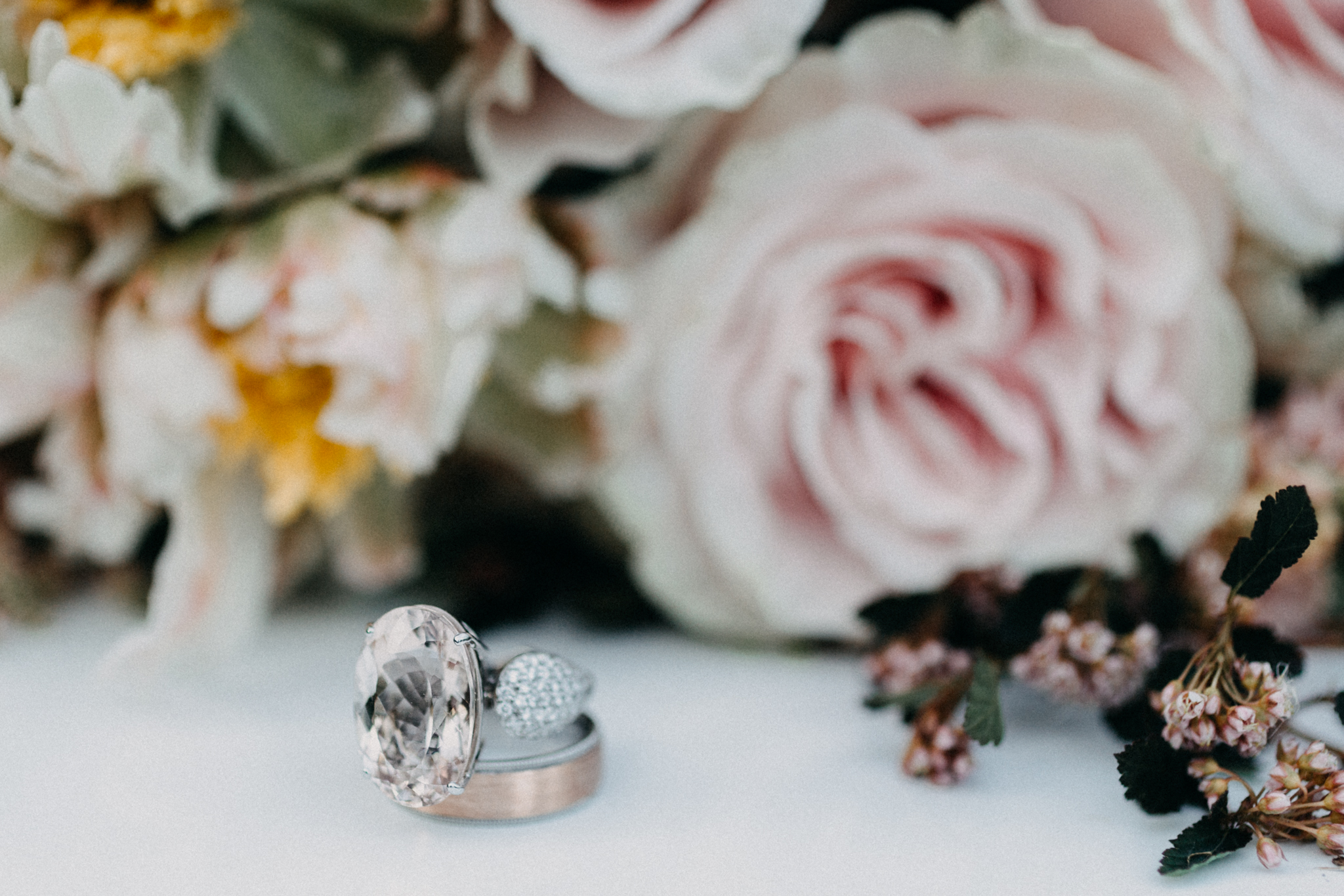 wedding rings and bouquet | wedding day photos