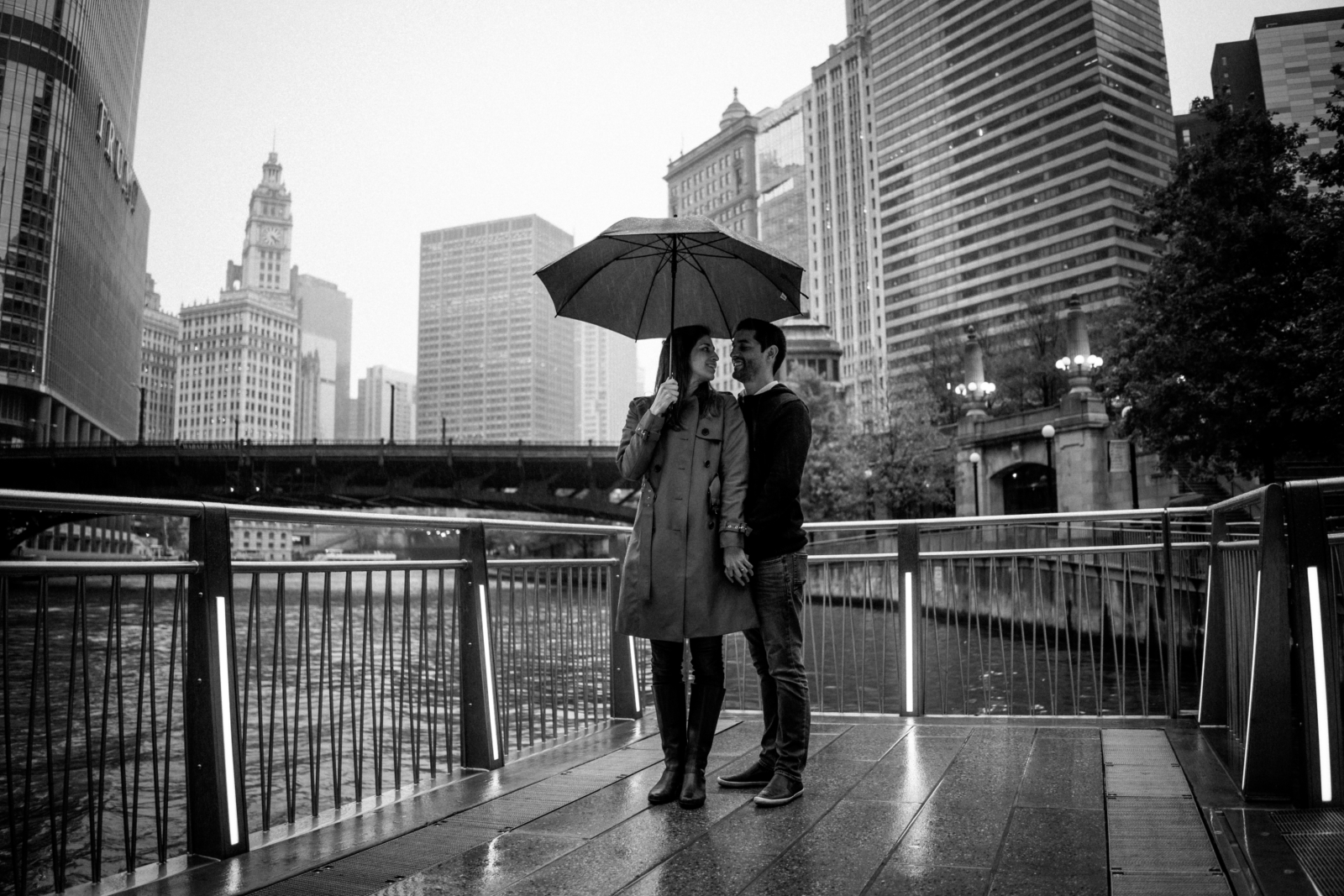rainy day on the River | Chicago vacation photography | lisa kathan photography
