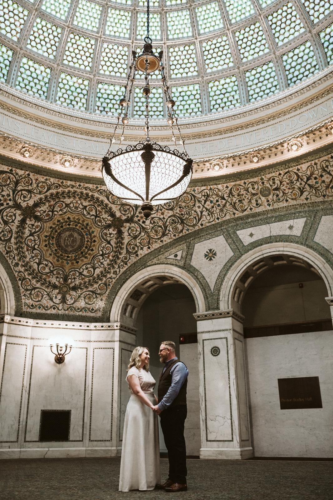 Tiffany dome Chicago   small wedding   lisa kathan photography
