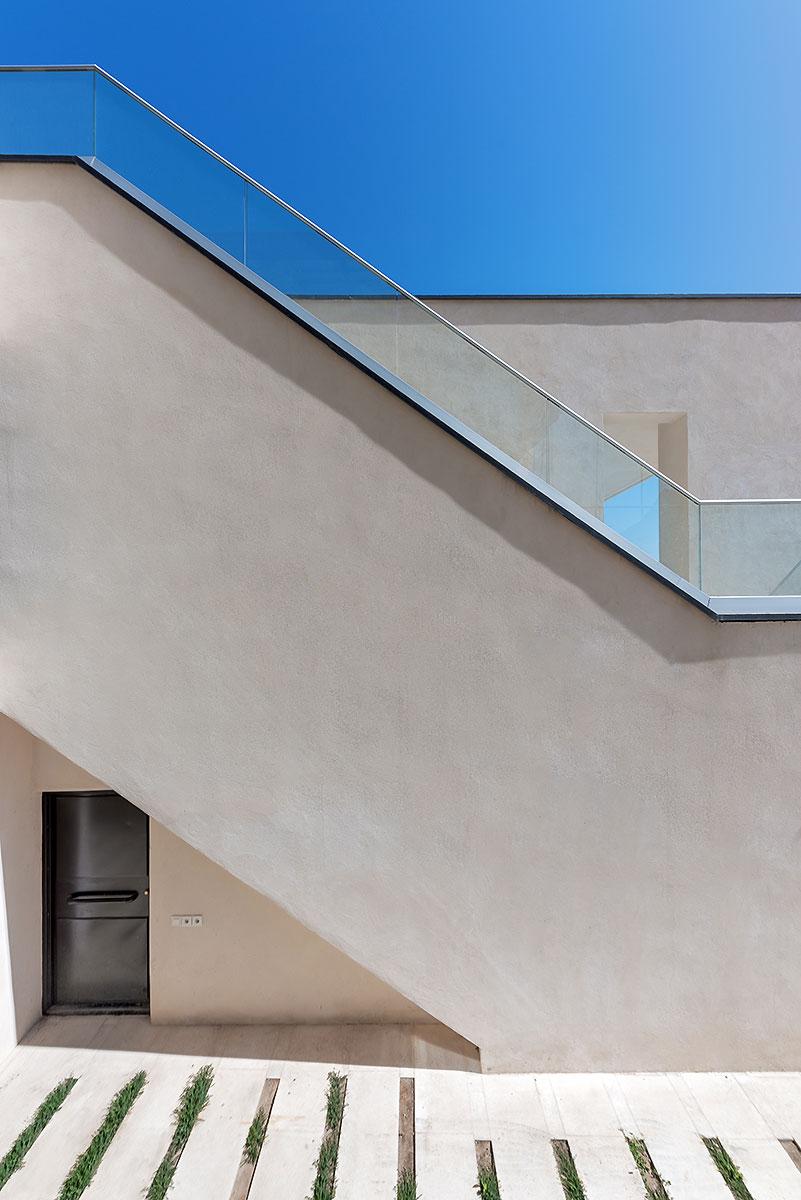Villa wall_KavStudio (14).jpg