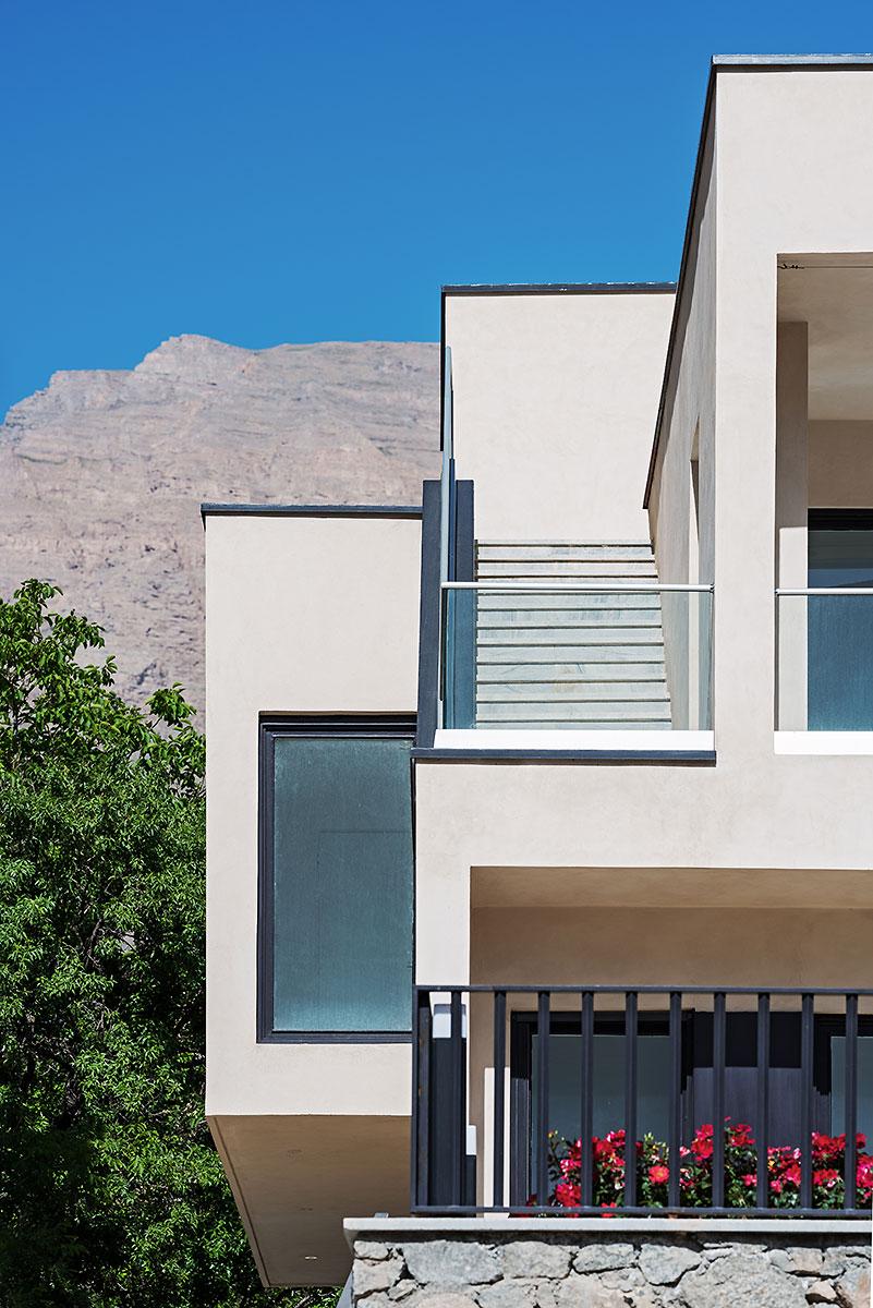 Villa wall_KavStudio (3).jpg