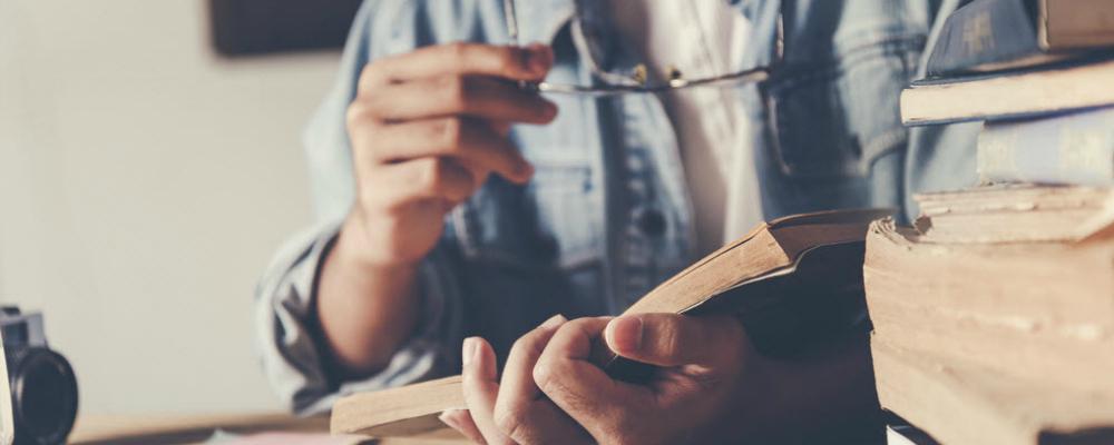 teen reading-2.jpg