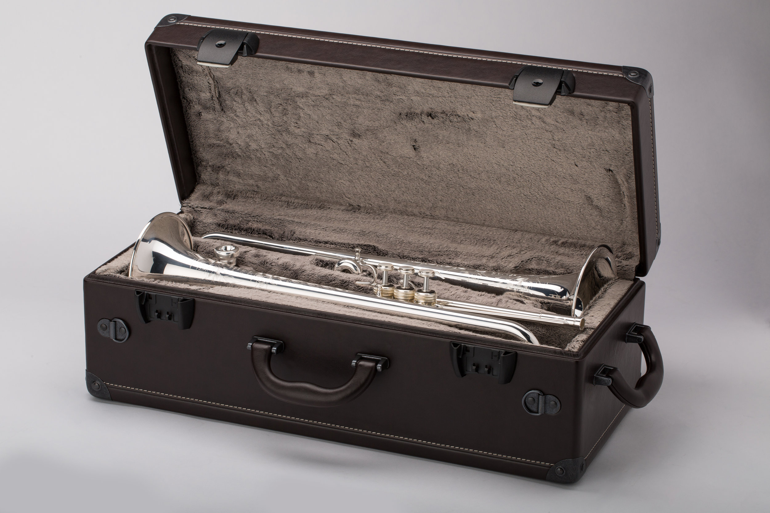 Shires_Case_Trumpet2_Open1_0317.jpg