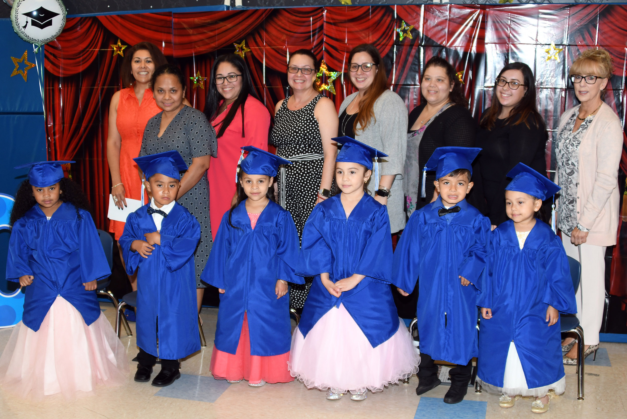 Graduates and the Anna House Staff.