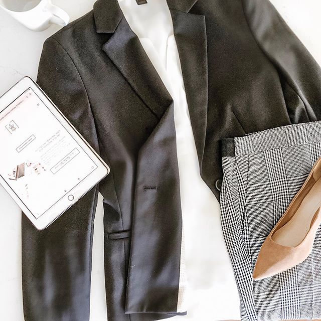 Often getting dressed is a cause for anxiety. No need to panic, just add a blazer and you will immediately look put together. #themindfulstylist