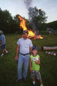 200_Sal_and_Tyler_at_the_junglecock_campfire.jpg