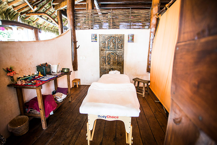 spa-treatments-wellness-massage-table-900-NK7A0371.jpg