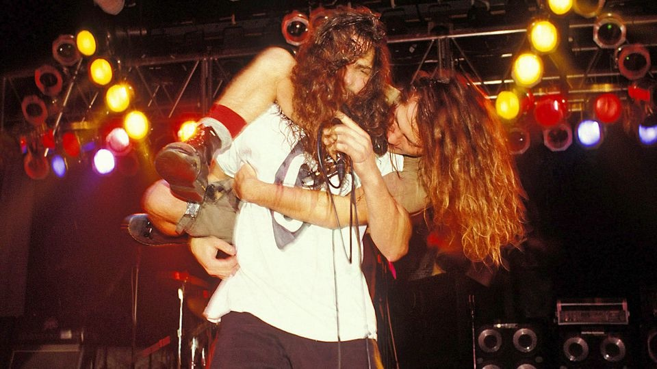 90-the-original-chris-cornell-eddie-vedder.jpg