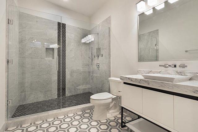 Bathroom details #GSC #gulfstatesconstruction #nola #neworleans #customhomes #interiordesign #design #instagood #instadaily #bestoftheday #picoftheday #bathroomdesign #construction #details #followyournola