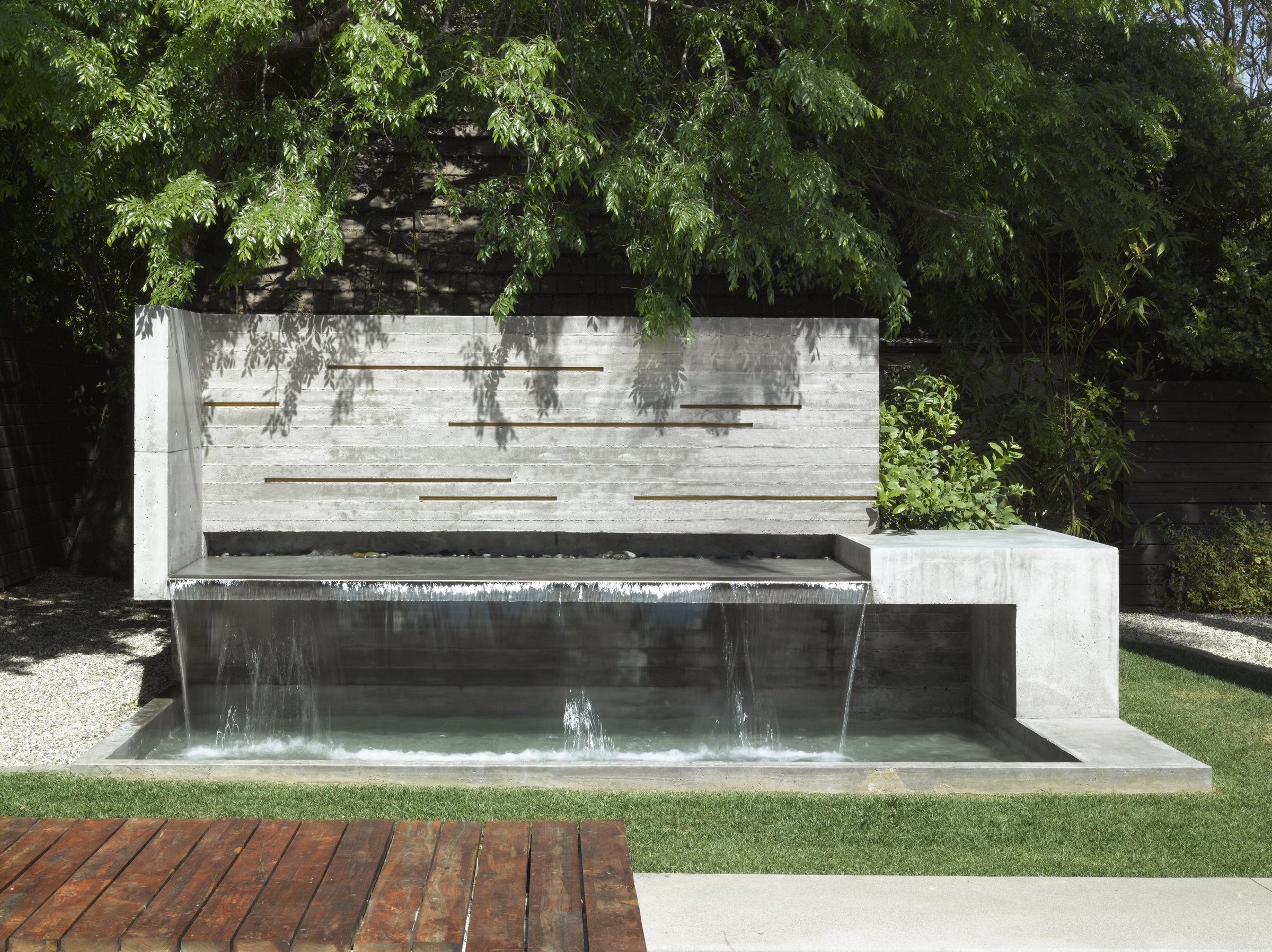 09 Fountain from front.jpg