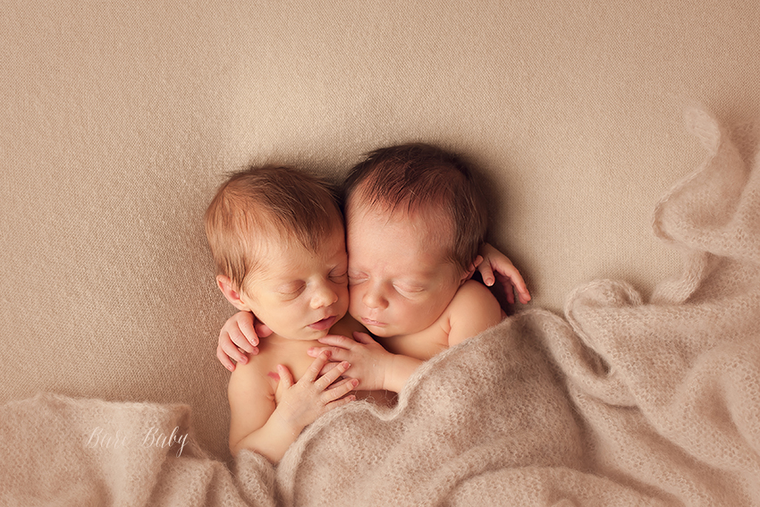 twin-newborns.jpg