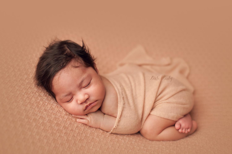 columbus-ohio-newborn-photographer-bare-baby-photography.jpg