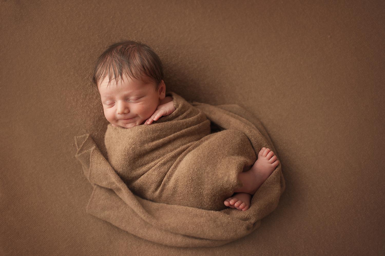 new-albany-newborn-photographer.jpg