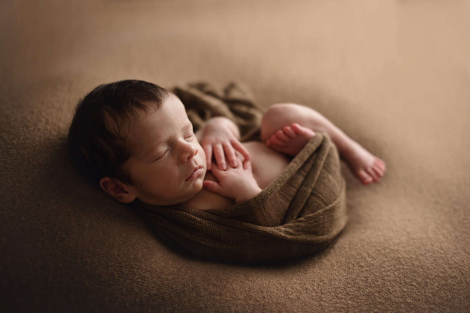 newalbany-ohio-newborn-photographer-barebabyphotography.jpg