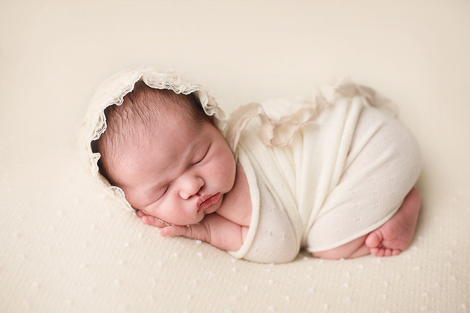 barebaby-best-newborn-photogapher-columbus-ohio.jpg