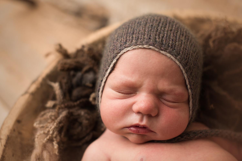 westerville-ohio-newborn-photogarpher.jpg