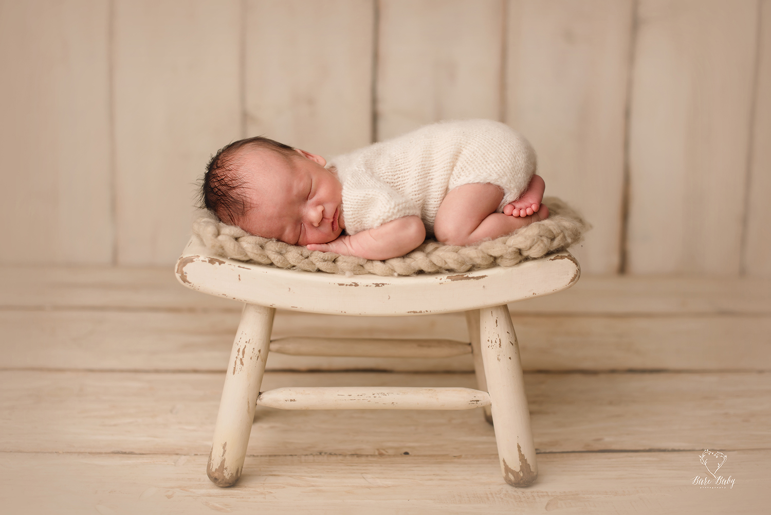 amazing-newborn-photos-columbusohio-barebabyphotography.jpg