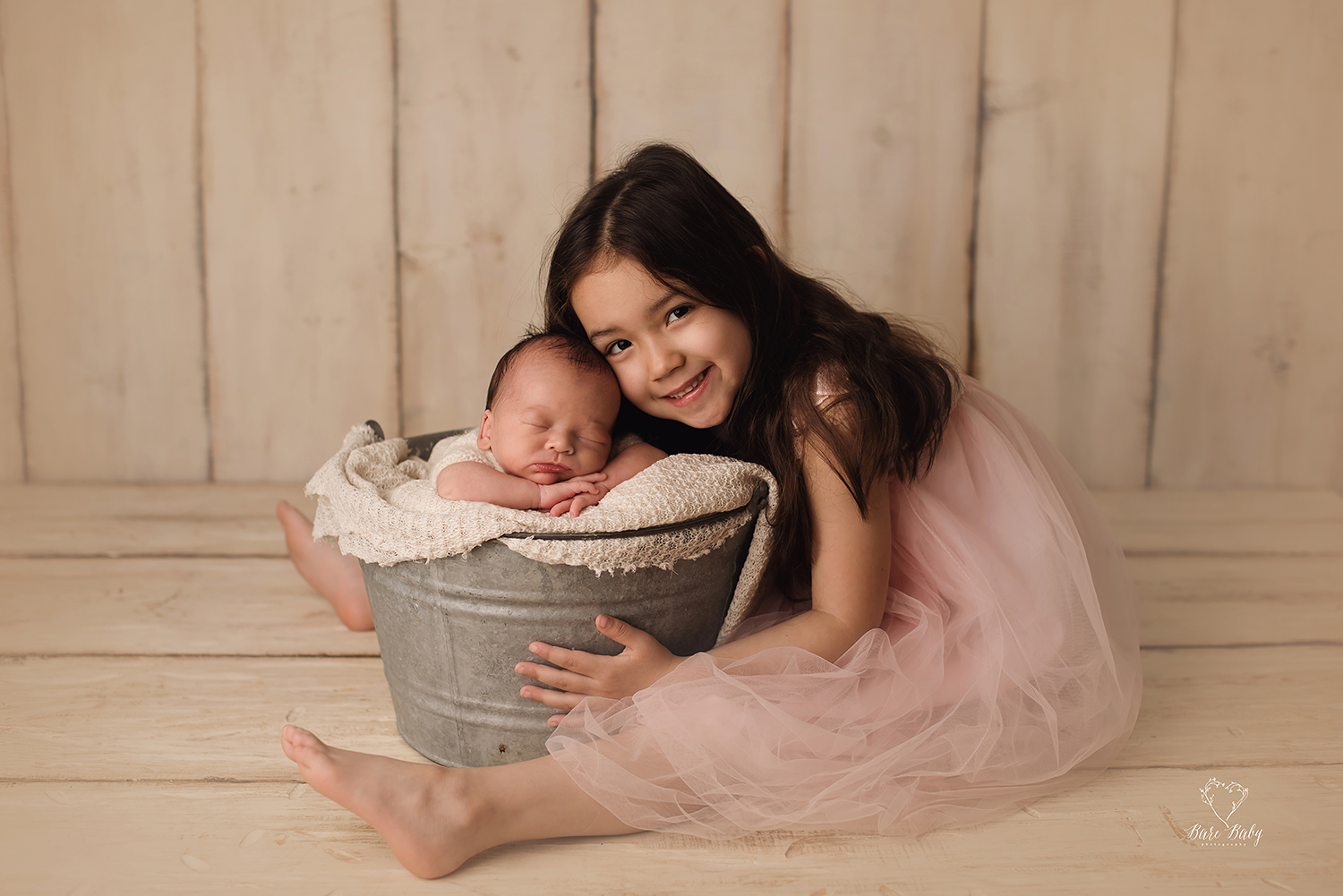 sibling-photo-ideas-columbusohio-barebabyphotography.jpg