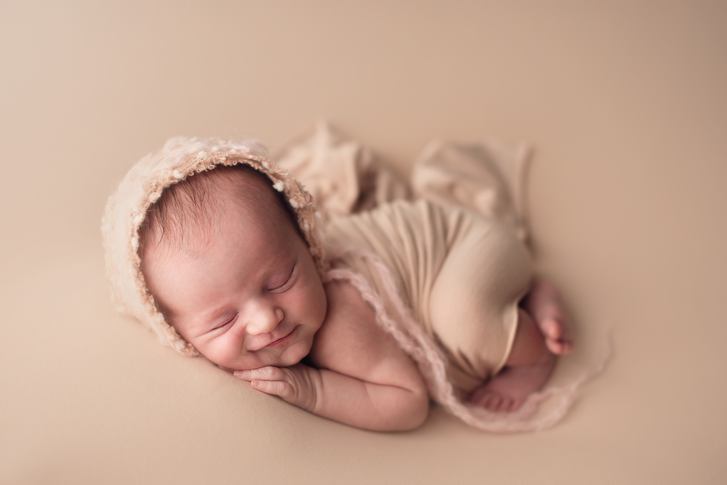 powell-ohio-newborn-photographer-barebabyphotography.jpg