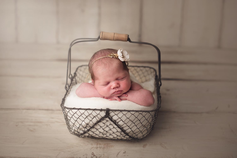 dublin-ohio-baby-photographer-barebabyphotography.jpg