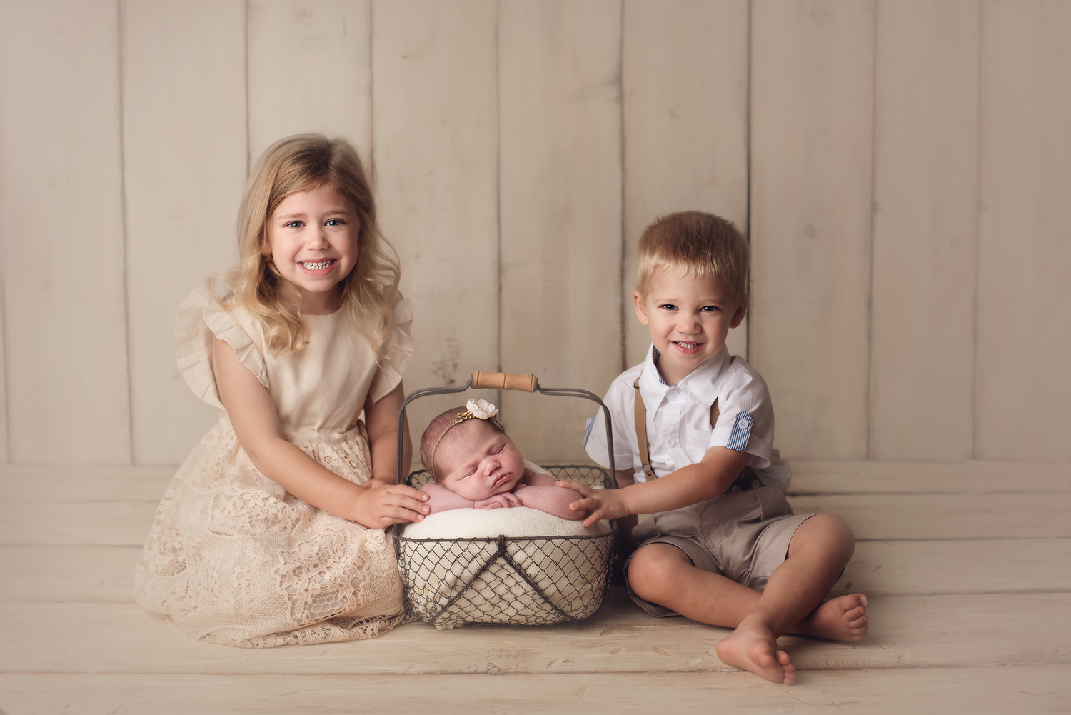 sibling-newborn-photos-barebabyphotography.jpg