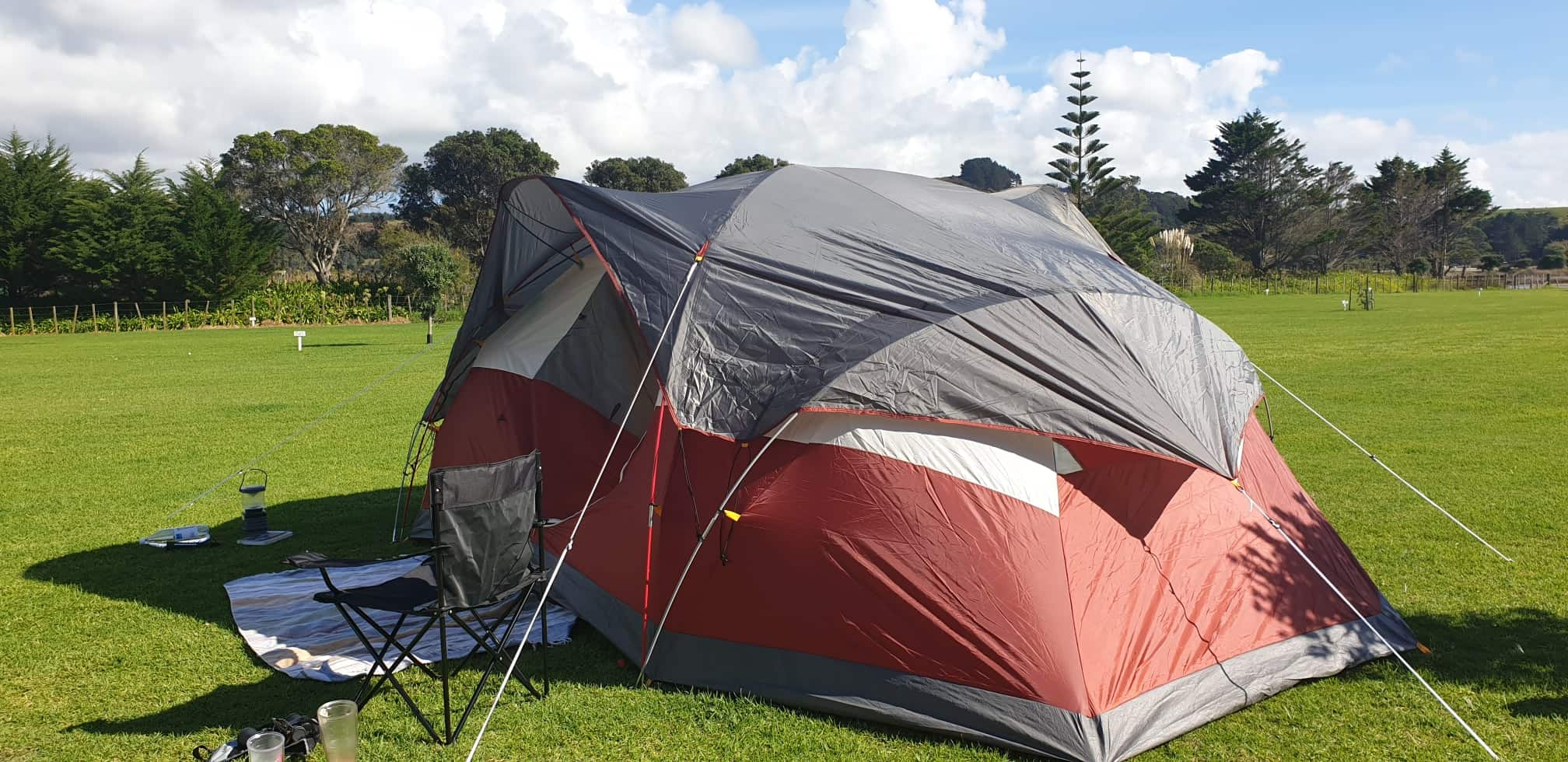 Tent up - … but after a little patience & a lot of red wine, voila!