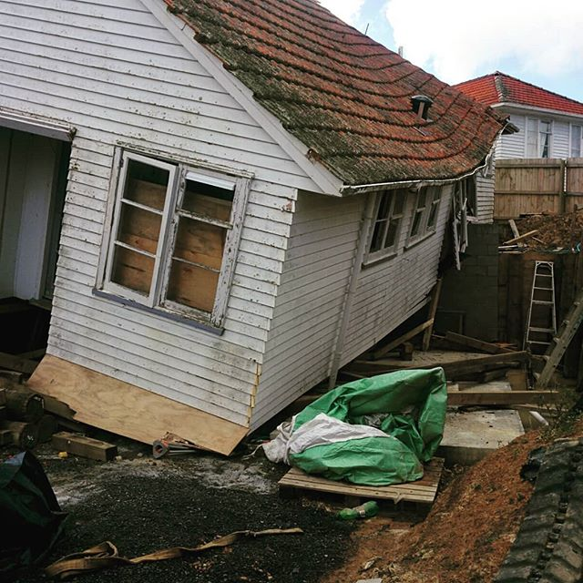 There's moving house and there's, you know, moving house. This lovely fixer upper is two homes down from us. Last night, we heard this rumble, sounded like a train going through our front yard. It was this house going through ITS front yard... #bookstagram #writingroutine #author #amwriting