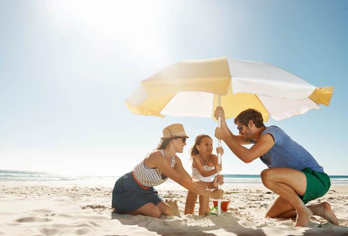 El uso de protector solar es fundamental para prevenir las queratosis actínicas.