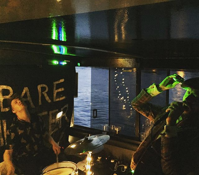 A couple of shots from our party on the boat last month. What a great night my word. Thanks to all who came down especially @ibomurinde for these lovely photos #barehunter #livemusic #livemusiclondon #thethames  #partyvibes #recordoutsoon