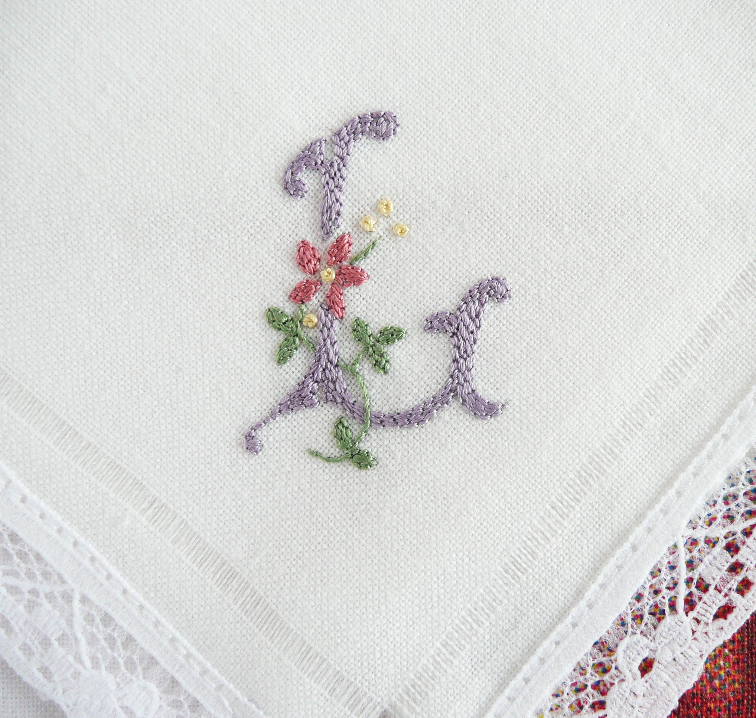 The monograms across the 10 handkerchiefs read D-I-E-T-S F-A-I-L