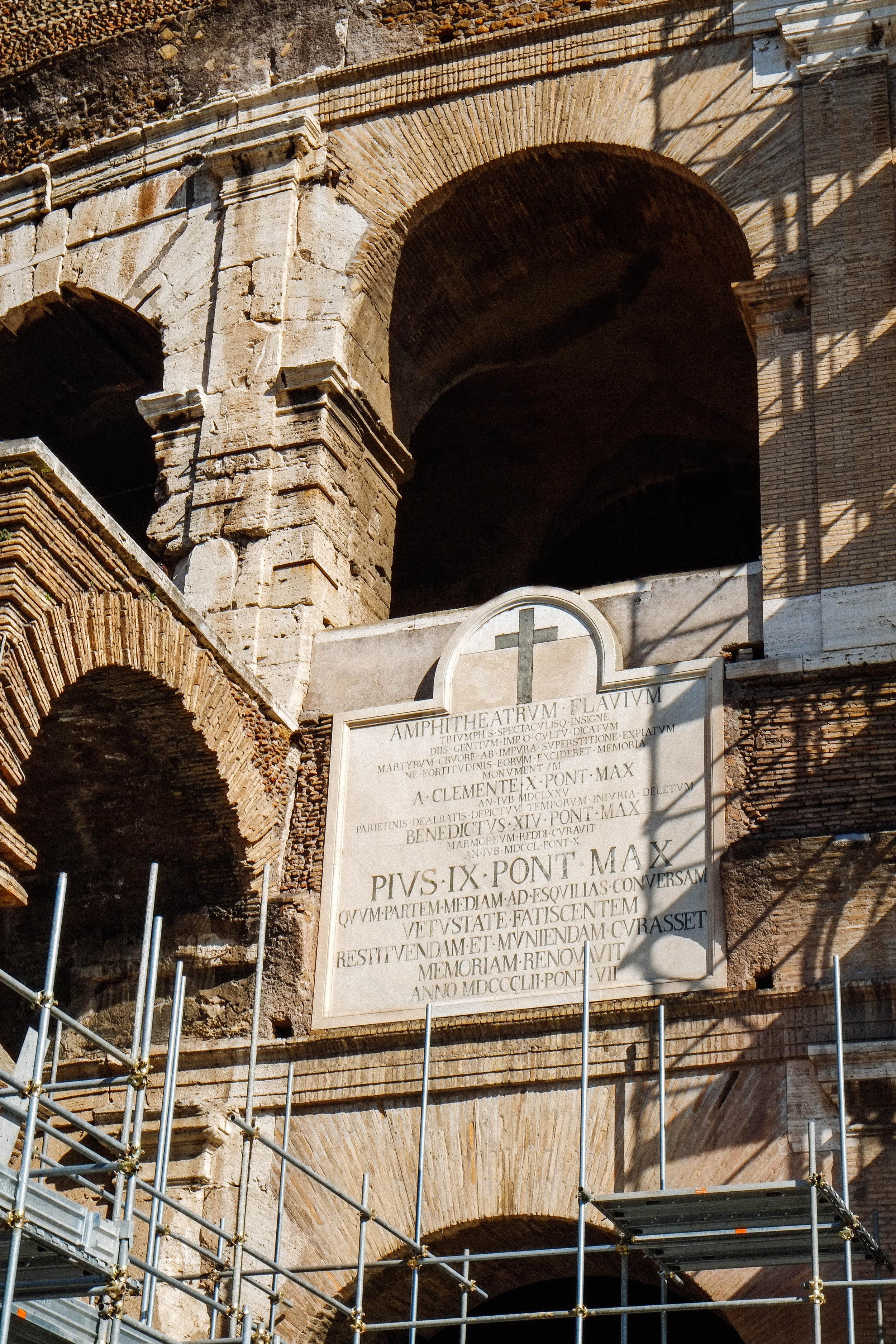 Lesly Lotha - Colosseum 2