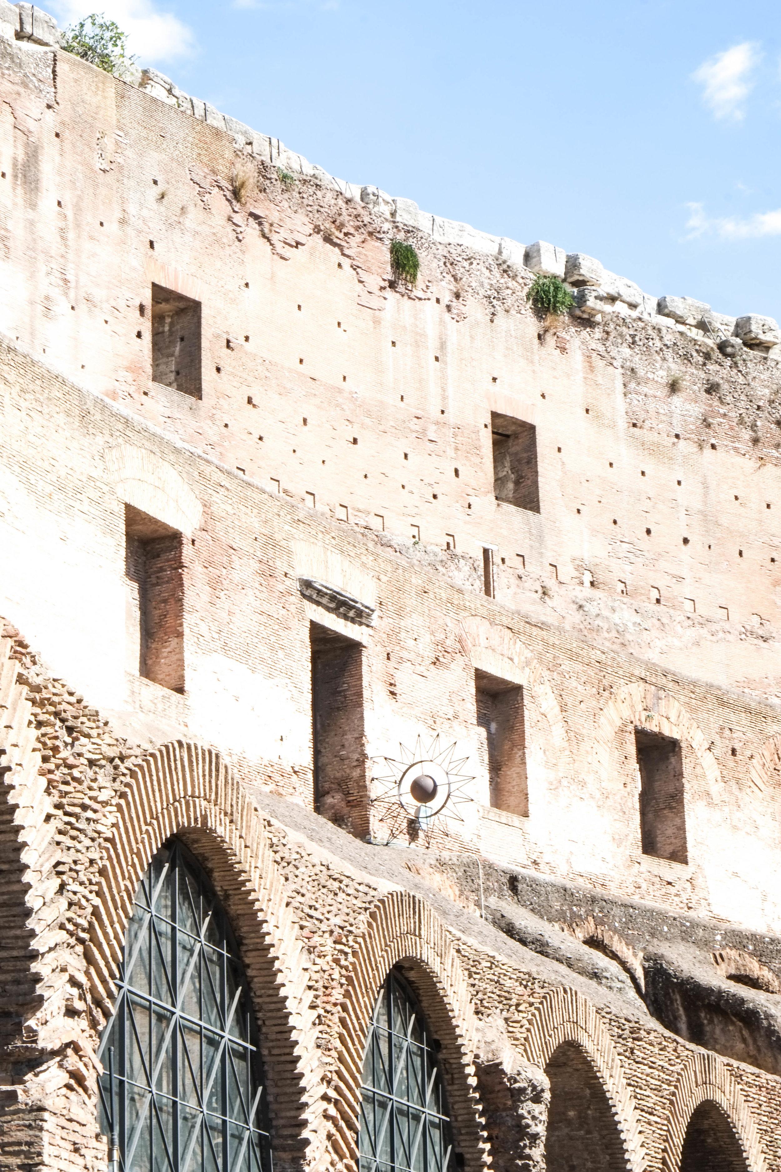 Lesly Lotha - Colosseum 3