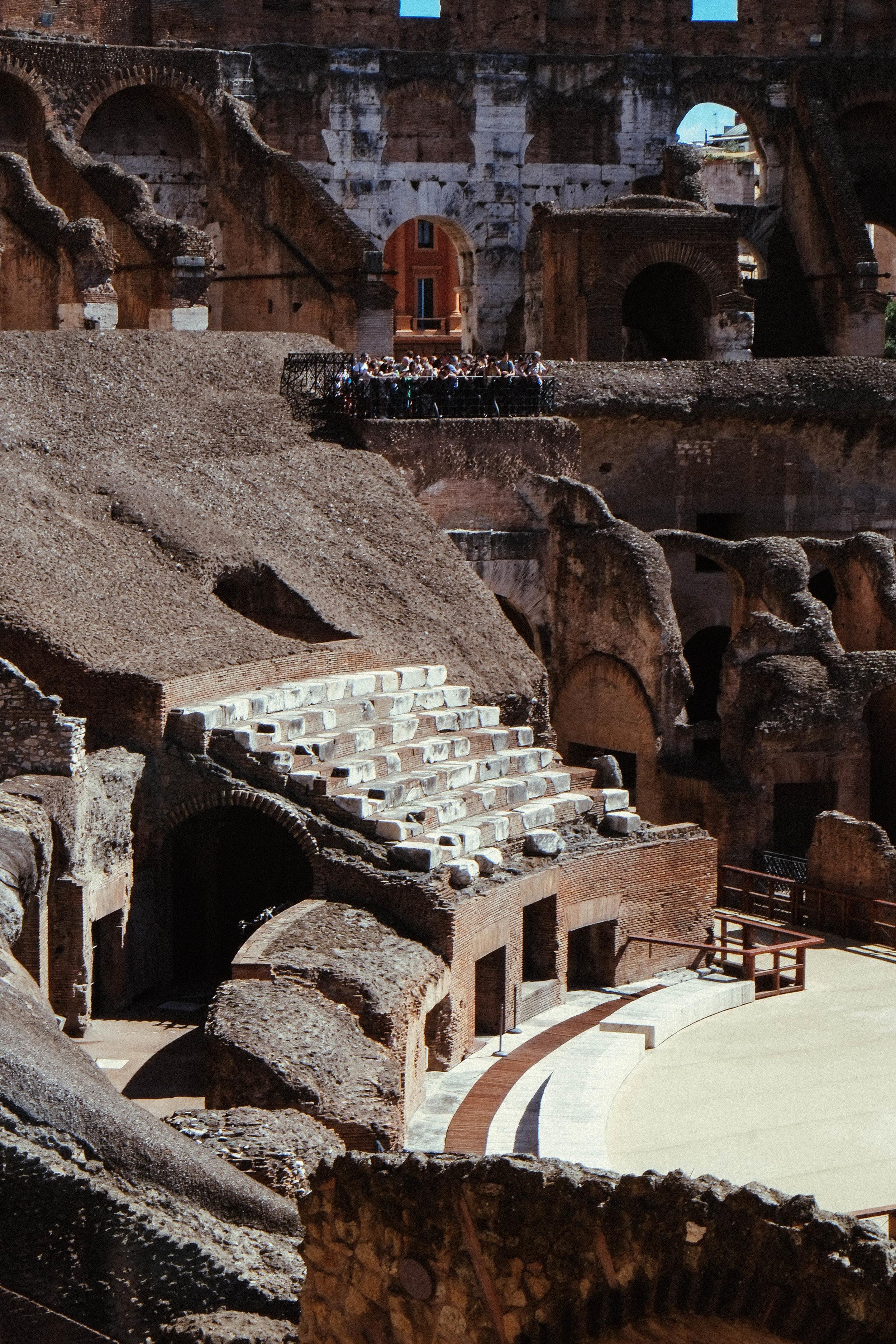 Lesly Lotha - Colosseum 5