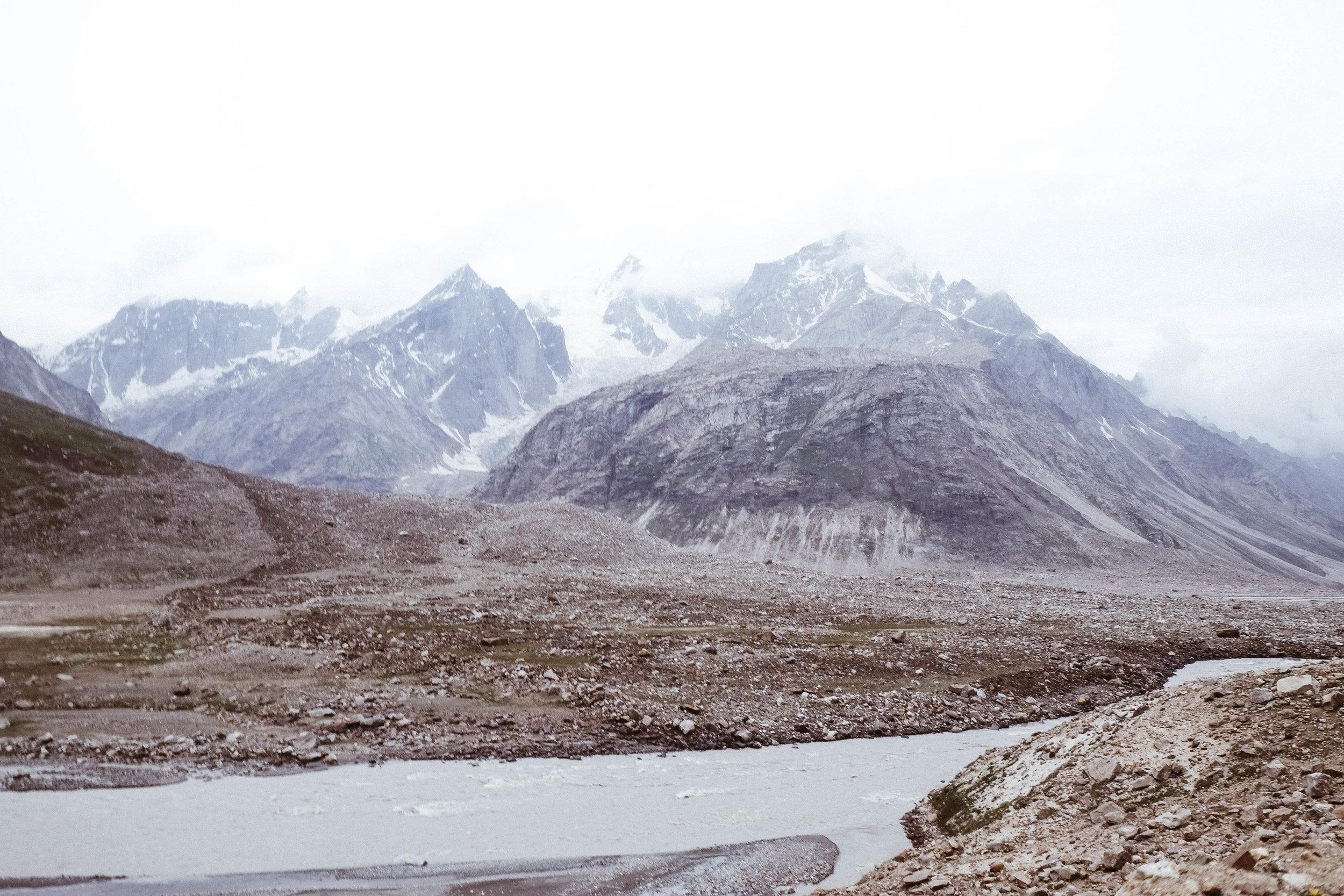 Lesly Lotha - road to Leh 2